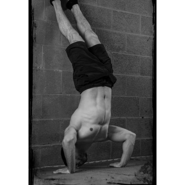 How to do: Handstand Wall Push-ups - Step 1