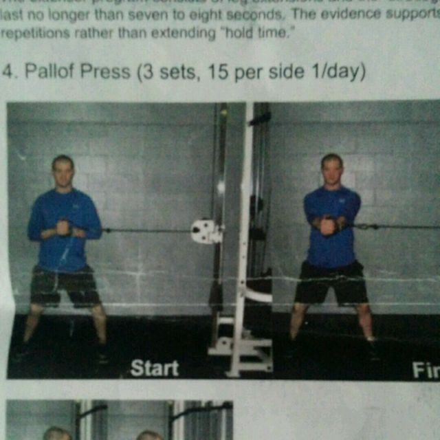 How to do: Pallof Press - Step 1