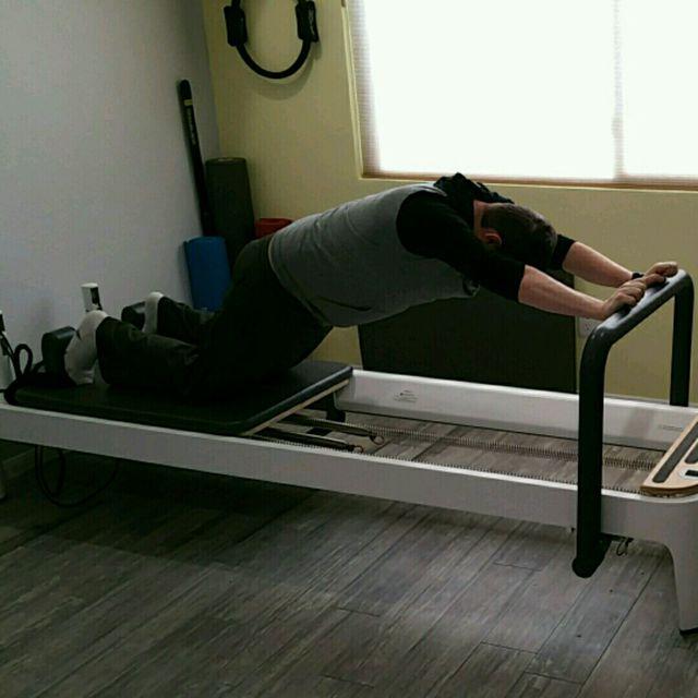 How to do: Cat Stretch - Step 2