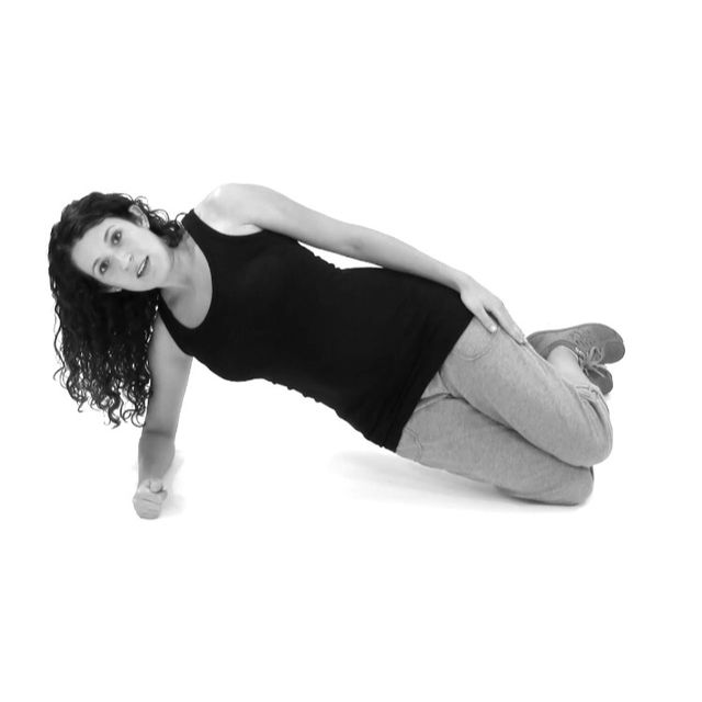 How to do: Right Side Knee Plank - Step 1