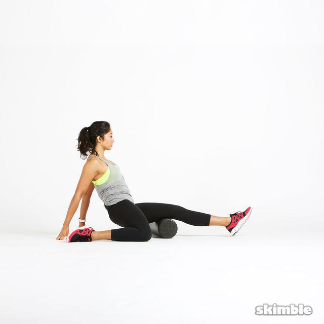 How to do: Left Hamstring Rolls - Step 2