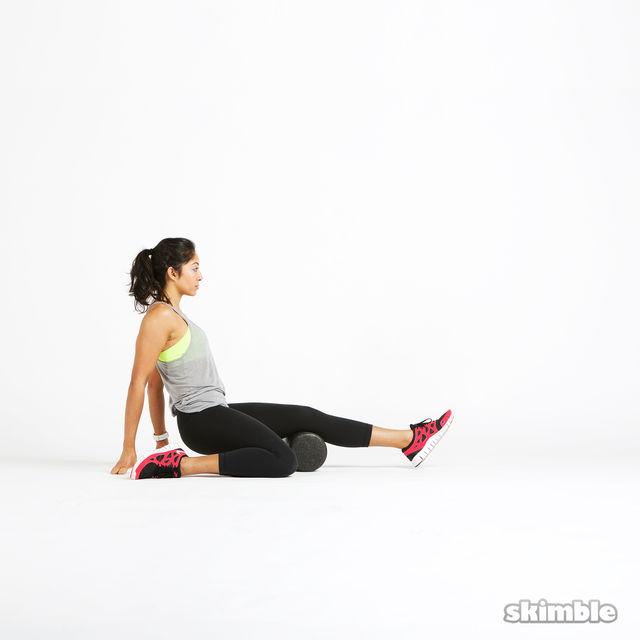 How to do: Left Hamstring Rolls - Step 1