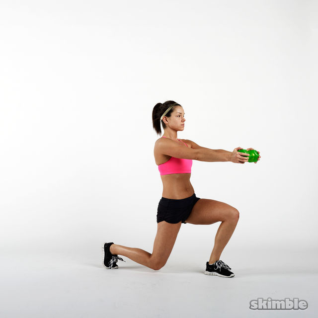 How to do: Dumbbell Lunge and Rotation - Step 5