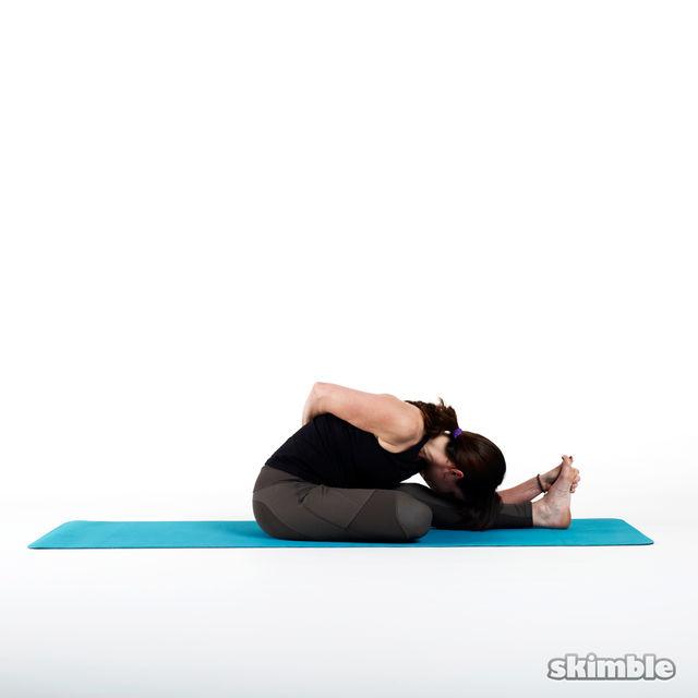 How to do: Half Bound Lotus - Step 2