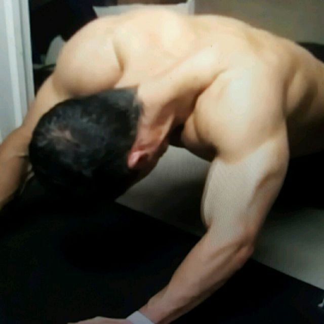 How to do: PULL Plank Sliders - Step 2