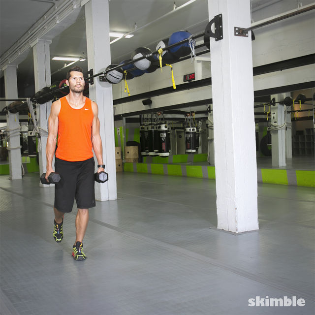 How to do: Walking Dumbbell Lunges - Step 4