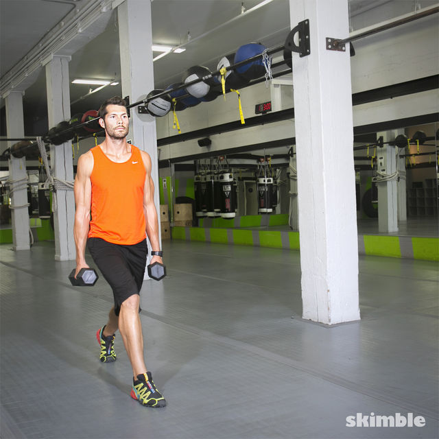 How to do: Walking Dumbbell Lunges - Step 5