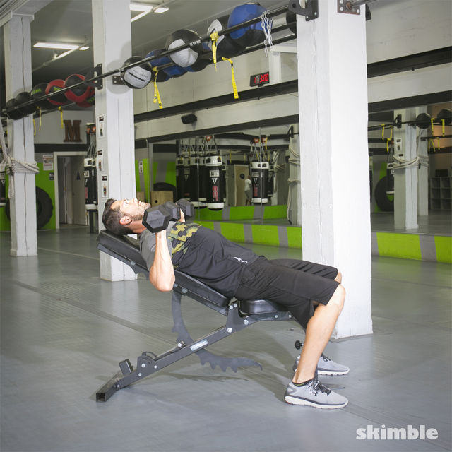 How to do: Incline Dumbbell Bench Press - Step 3