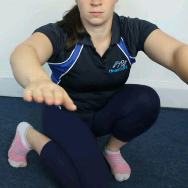 How to do: Hip Rotation - Squat Internal - Step 1