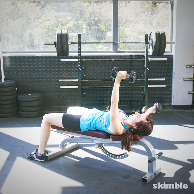 How to do: Alternating Bench Dumbbell Fly - Step 3