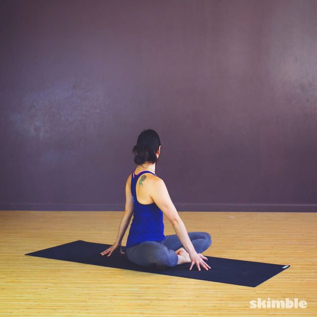 How to do: Simple Seated Twist - Step 4