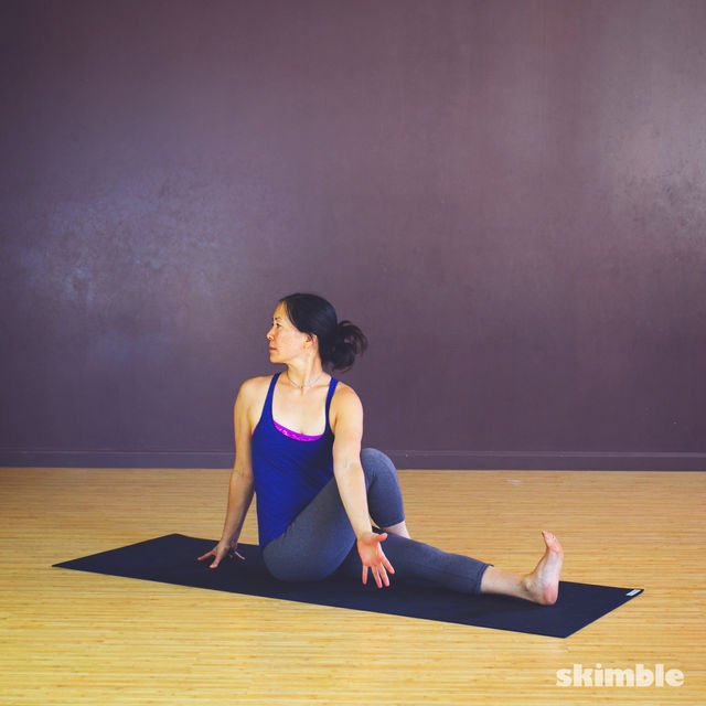 How to do: Seated Spiral Stretches - Step 3