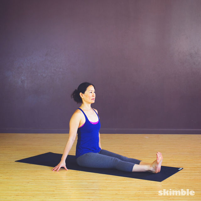 How to do: Seated Spiral Stretches - Step 1