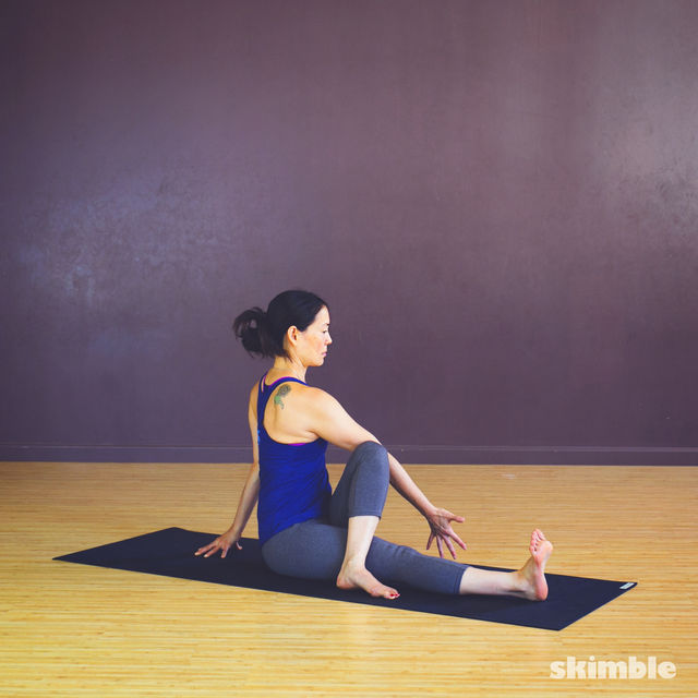 How to do: Seated Spiral Stretches - Step 5