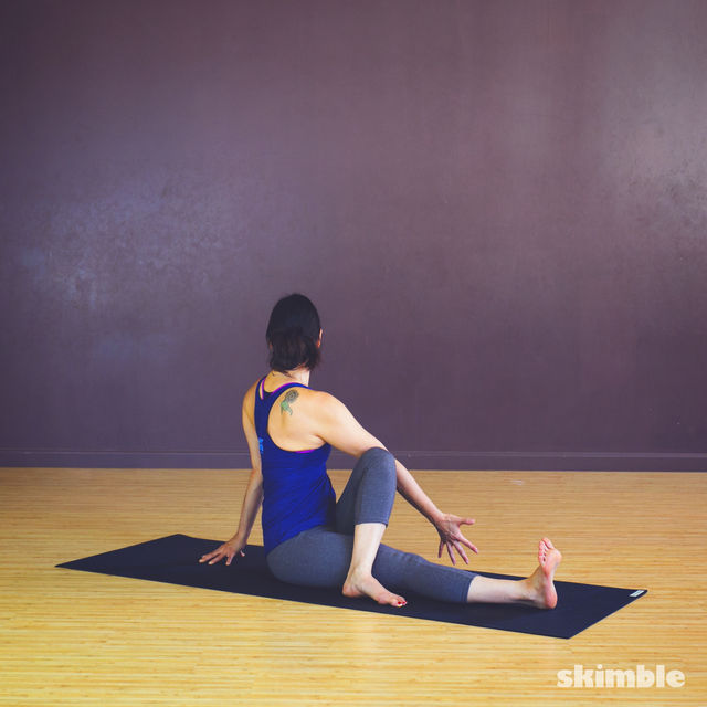 How to do: Seated Spiral Stretches - Step 6