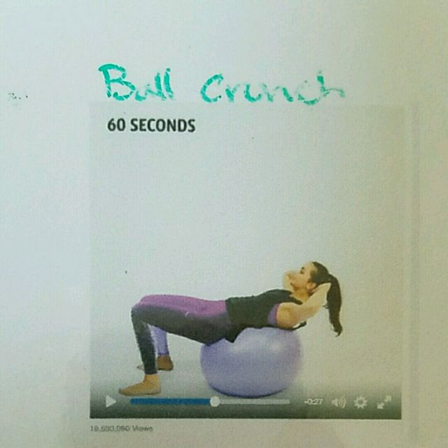 How to do: Ball Crunch - Step 1