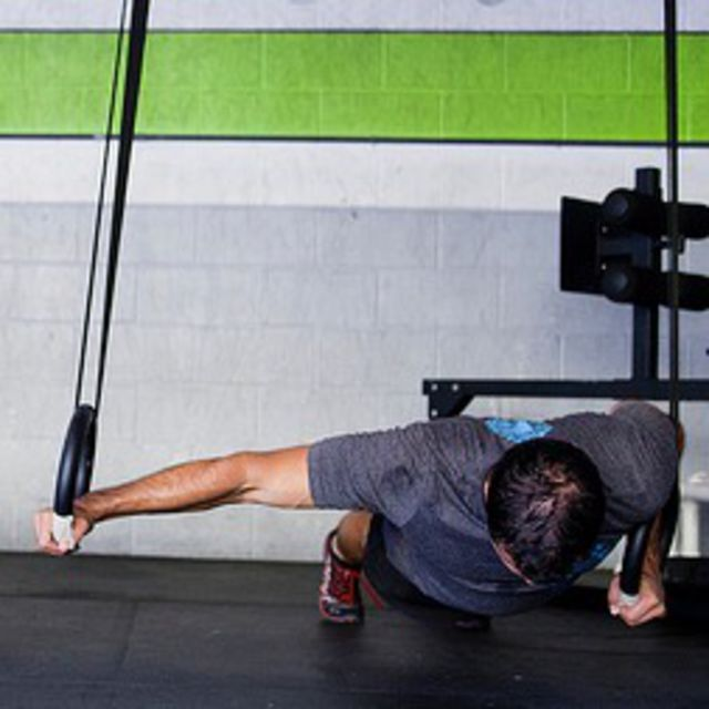 How to do: Archer Push Up On Rings - Step 1