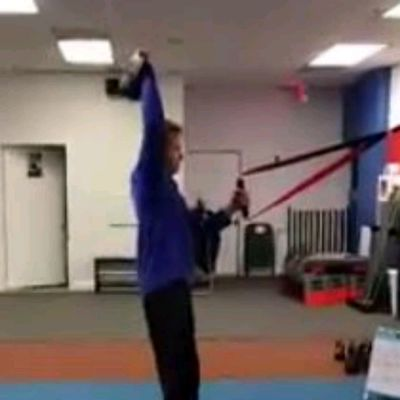 One Arm Squat Press