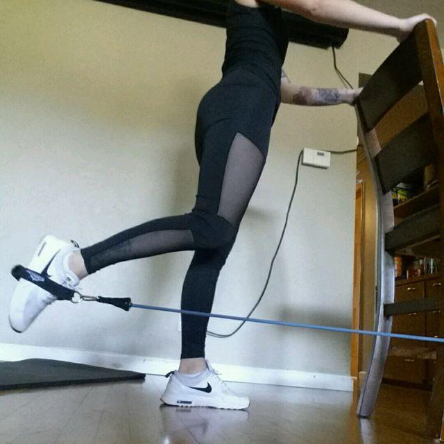 How to do: Banded Leg Kickback - Step 2