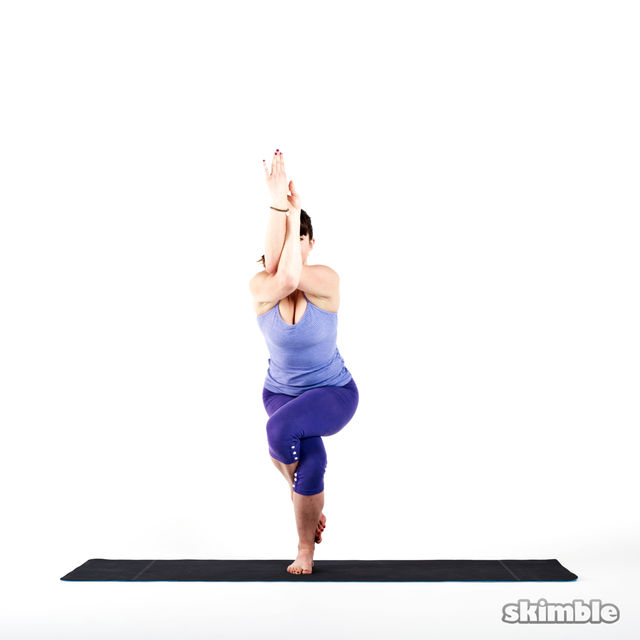 How to do: Eagle Pose - Step 4