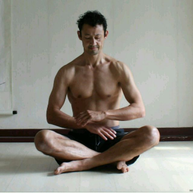 How to do: Arm Rotation Meditation - Step 2