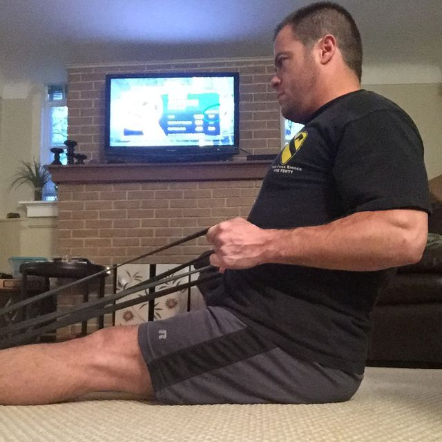 How to do: Seat Resistance Band Row - Step 4