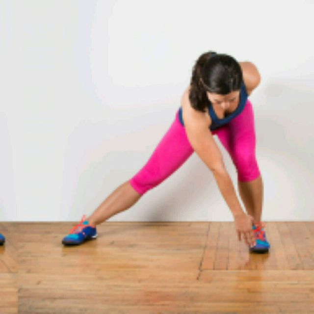 How to do: Alternating Lunge Touch - Step 2