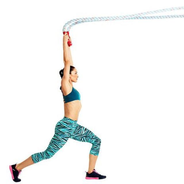 How to do: Battle Rope Alternating Chop - Step 1