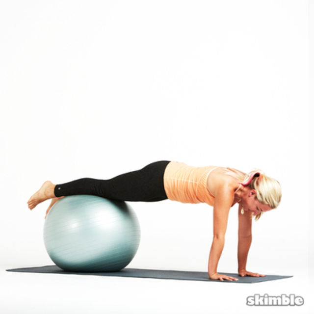 How to do: Ball Plank Pikes - Step 4