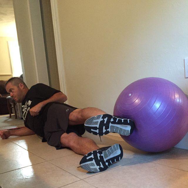 How to do: Swiss Ball Lying Leg Raise - Step 5