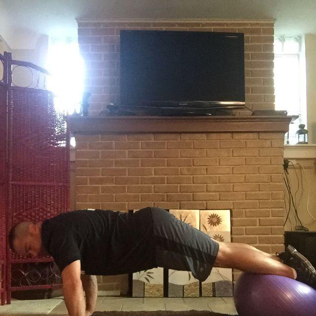 How to do: Swiss Ball Reverse Crunch Pike - Step 3