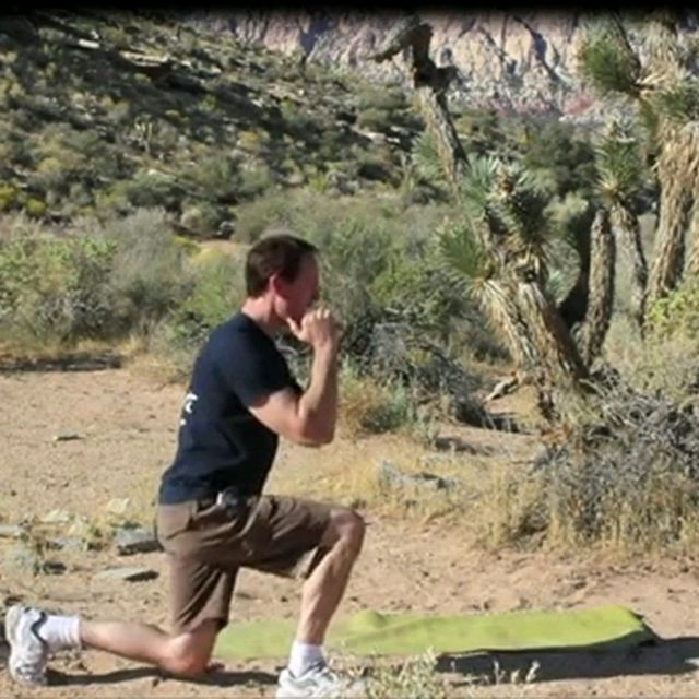 How to do: Rear Lunge/Rear Lunge To Knee Scorpion - Step 4