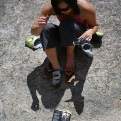 Climbing_shoes_full