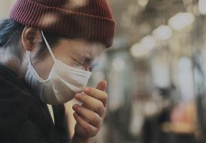 mask sneezing