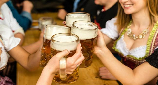 Oktoberfest Revelers Show That Drinking Alcohol Gets the Heart Racing