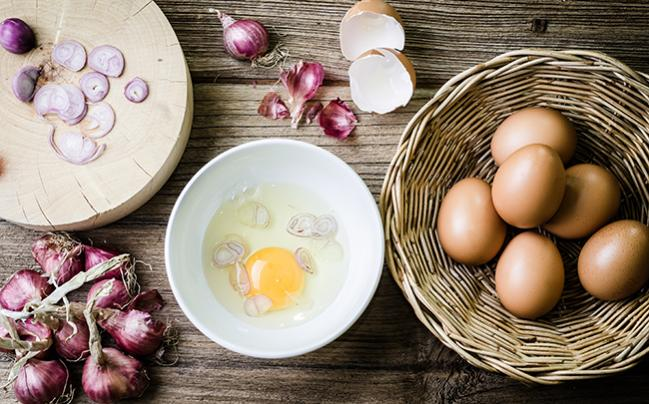 Choline, Common in Eggs and Liver, Raises TMAO Levels and Increases Platelet Aggregation