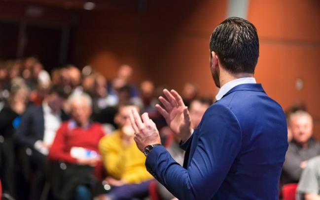 Giving an Excellent Presentation: 10 Lessons From Master Educators