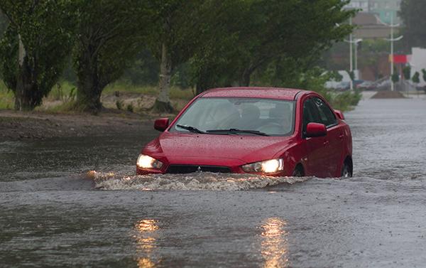 driverslicenseadvisors.org blog: 4 Tips From DriversLicenseAdvisors.org for Driving During a Flood