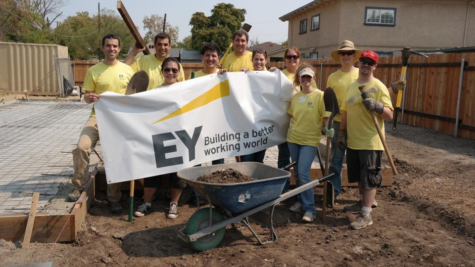 Ernst & Young LLP Employee Photo