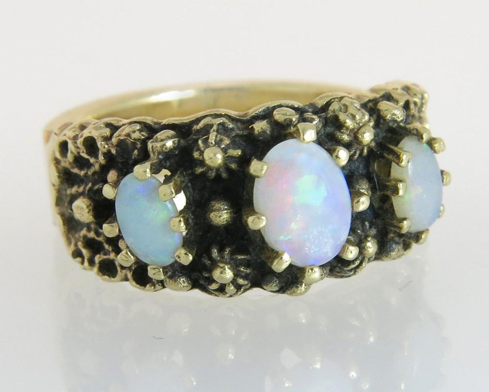 Vintage Estate .75ct Genuine Opal 14K Yellow Gold Flowers Art Deco Dinner Ring