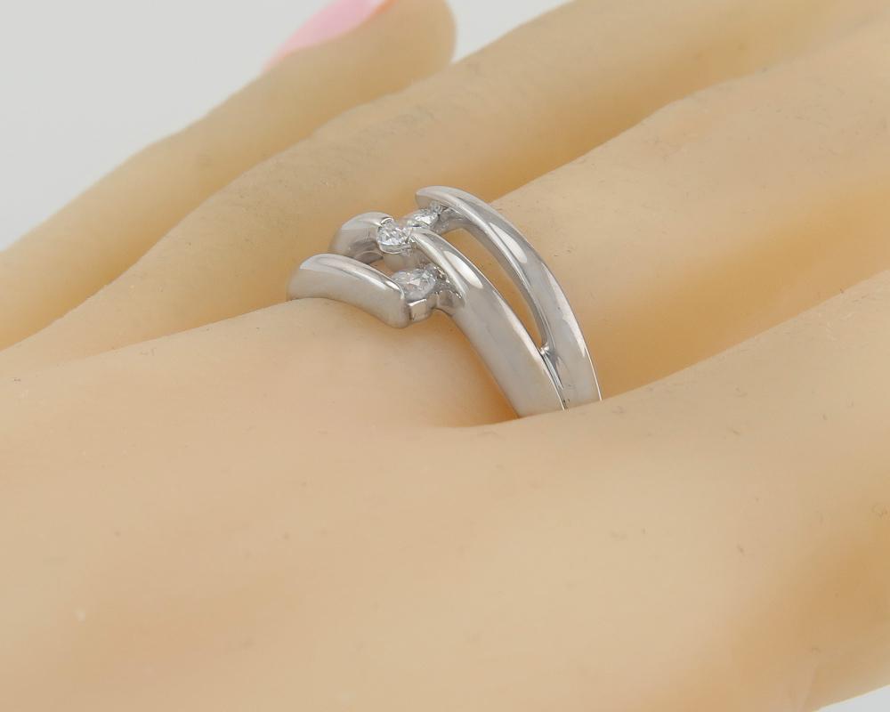 Designer Estate High Polish 18K White Gold .21ct Genuine Diamond Ring 3.6g
