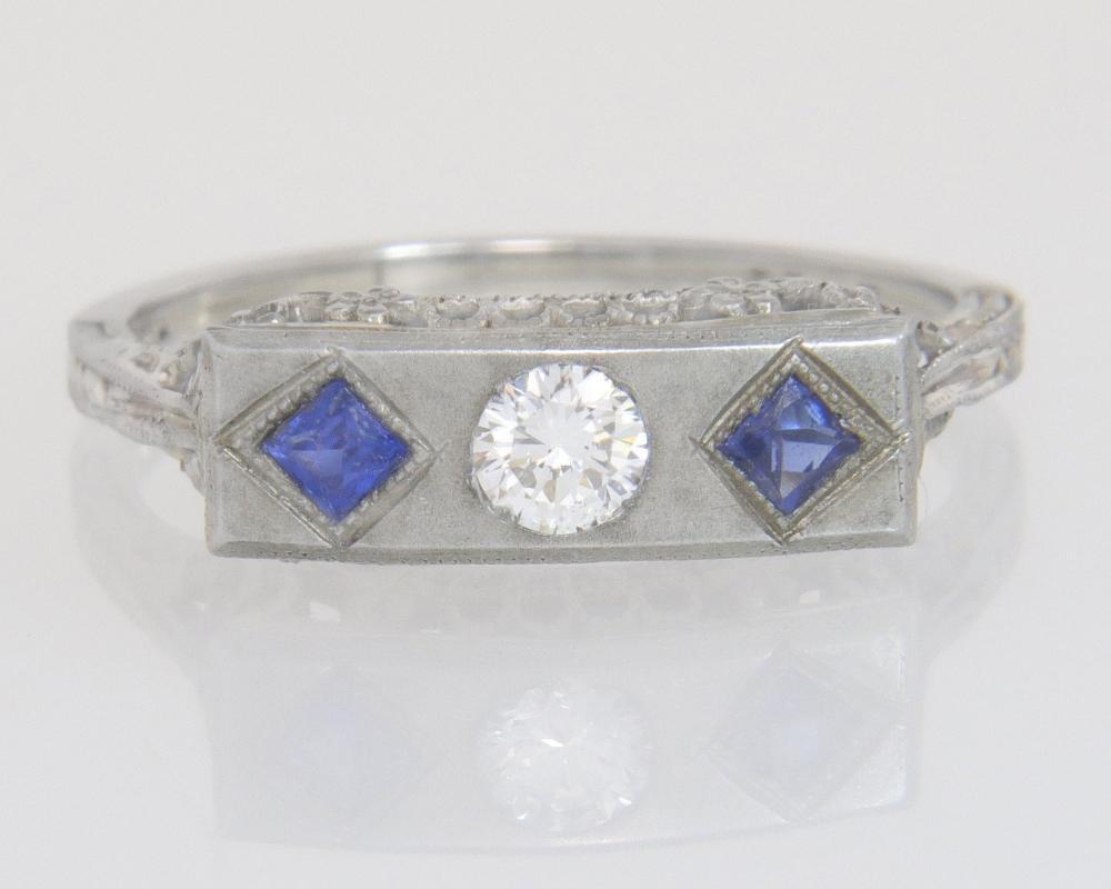 Antique 18K Gold Flowers .33ct Genuine Diamond & Sapphire Art Deco Ring
