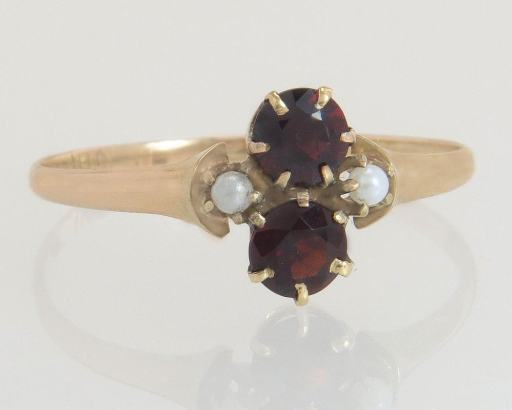 Antique Vintage Estate 10K Yellow Gold .50ct Garnet & Seed Pearl Victorian Ring
