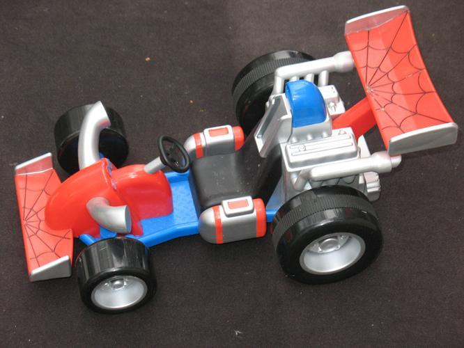2004 Spiderman Pull Back Motor Hot Rod Car Marvel 14 x 8 x 3