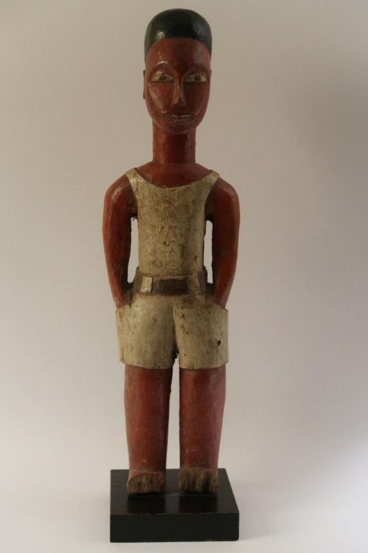 Ivorian statue Colonist 1950