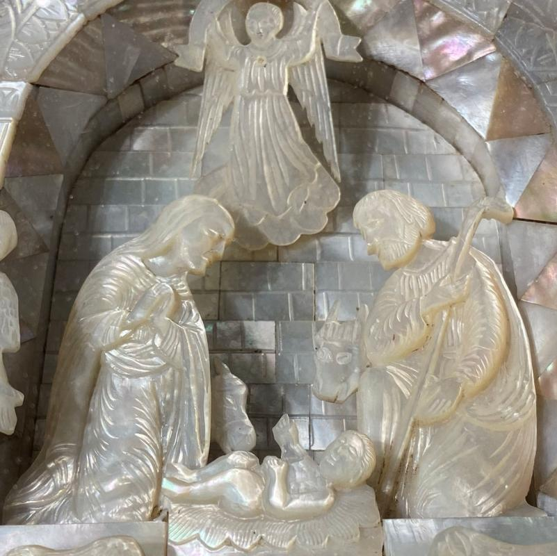 Mother of Pearl Diorama Depicting Baby Jesus and Last Supper