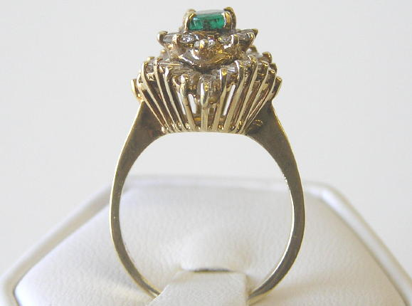 Vintage Emerald & Diamonds 14K Gold Ring