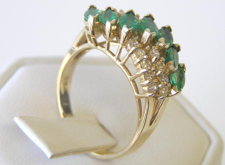 14K Gold Ring w Emeralds & Diamonds