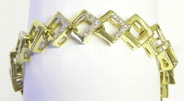 Vintage 18K Gold Bracelet with Diamonds