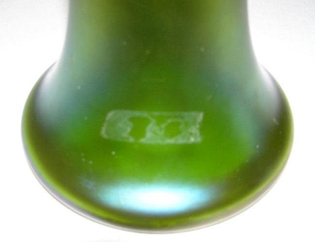 Loetz ( Lotz ) Creta Glatt Iridescent Green Vase